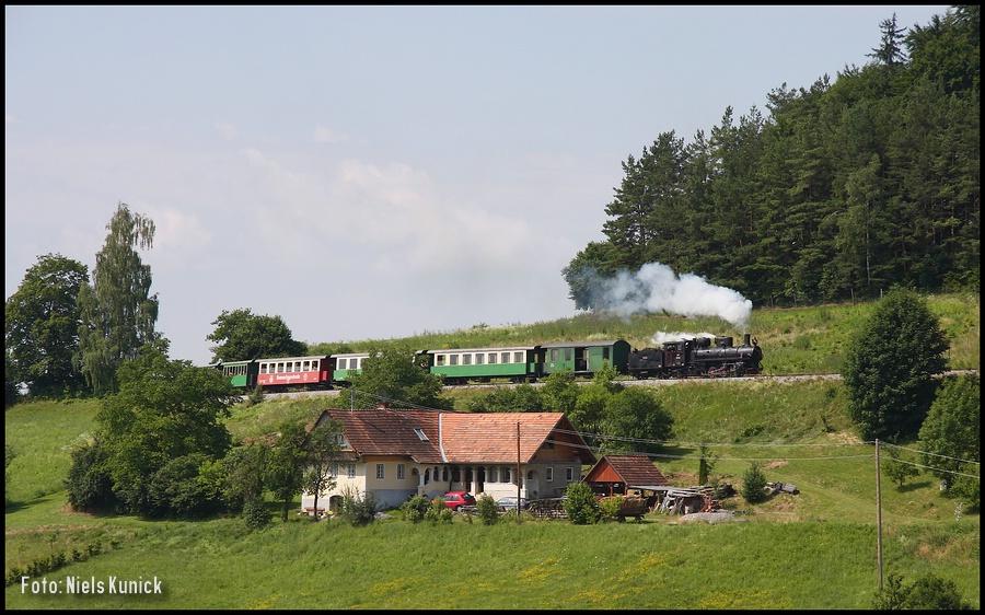 http://www.bahnhof-oschatz.de/900/X-AT_Feistritztalbahn_2008-06-29.JPG